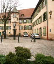Cour des Chaînes