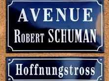 Avenue Robert Schuman // Hoffnungstross -